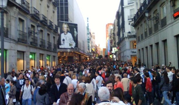 La calle preciados desierta debido a la crisis financiera